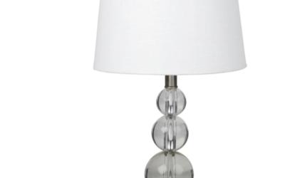 LAKE Lampe mit Gestell aus Metall und Glas und weißem Lampenschirm
